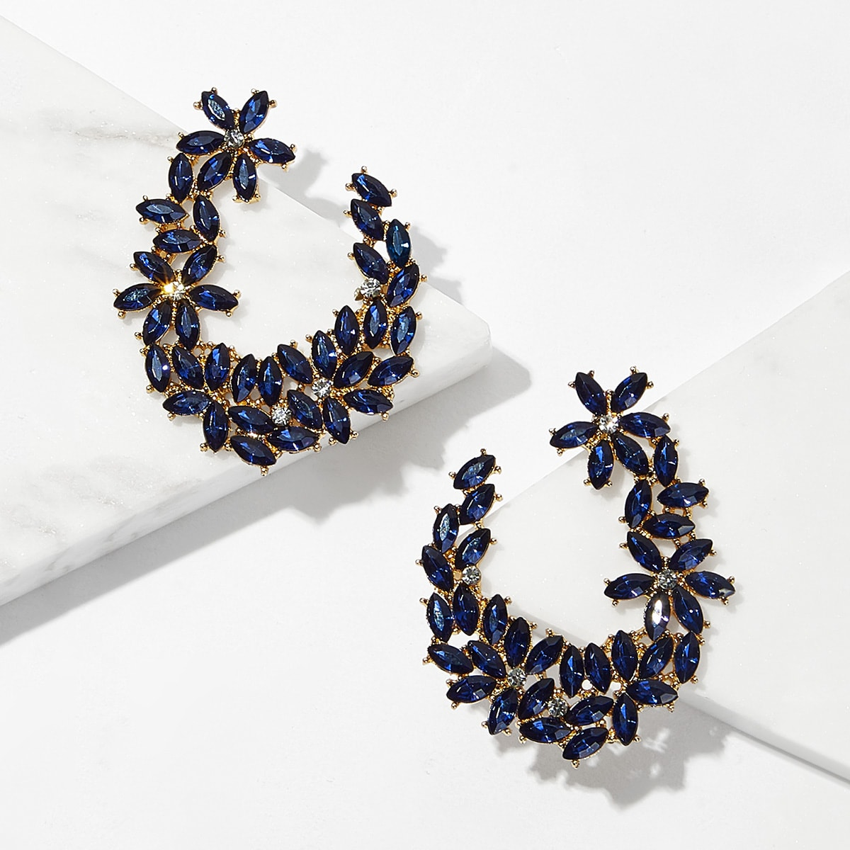 Flower Detail Cut Gemstone Hoop Earrings 1pair