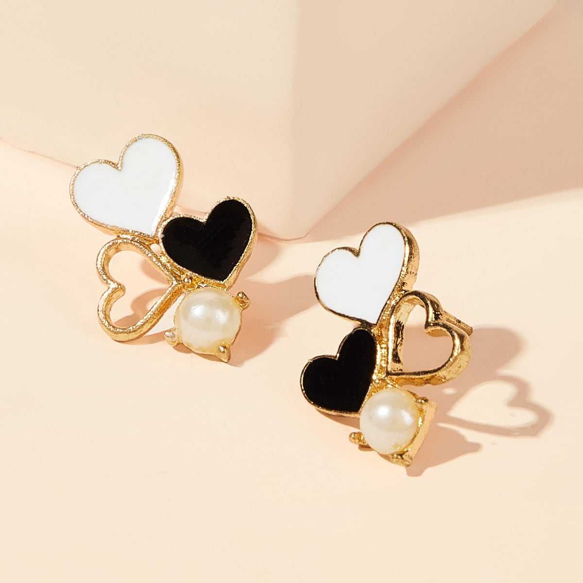 Two Tone Heart Shaped Stud Earrings 1pair