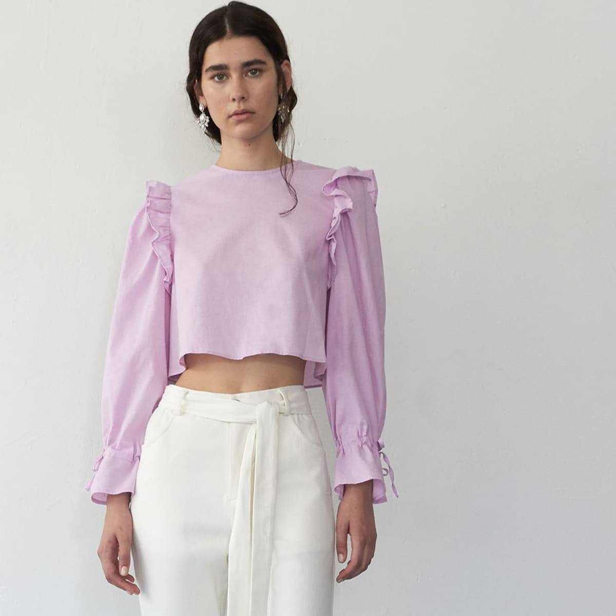 Ruffle Trim Knot Sleeve Crop Top